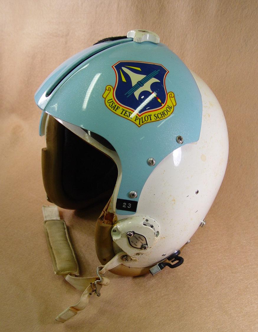 nasa pilot helmet - photo #39