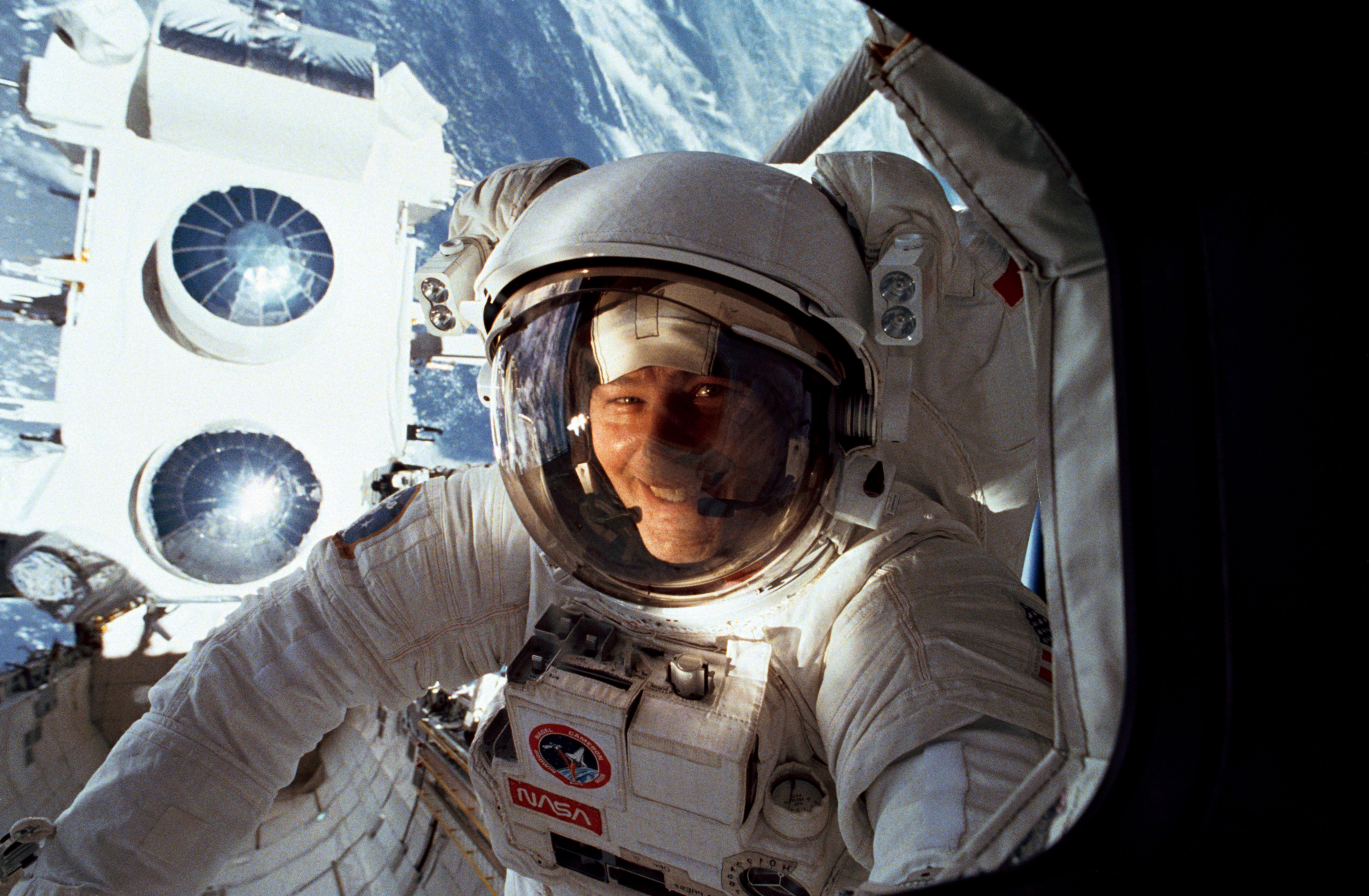 astronaut disappeared in space - photo #11